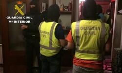 La Guardia Civil detiene en Collado Mediano (Madrid) a un individuo por su implicación en actividades de radicalización y difusión de propaganda yihadista a favor de DAESH.