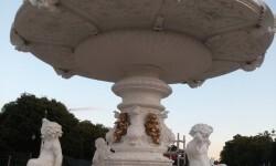 Las fuentes de la Alameda recuperan el color blanco.