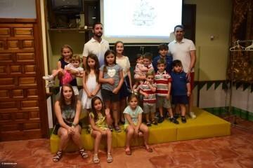 Mireia Cuñat, y Presidente Infantil Merienda con el artista infantil de la falla Plaza de la Mercé (145)