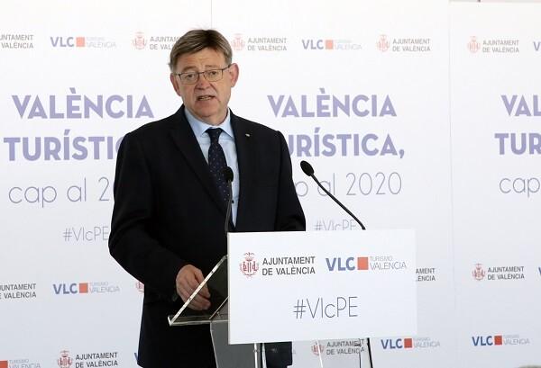 Puig destaca la necesidad de aumentar la complicidad entre instituciones y sector turístico para consolidar la Comunitat.