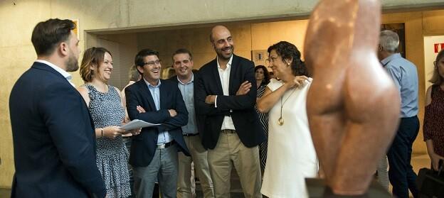 Rodríguez junto al diputado Pablo Seguí en la exposición de Joan Martí en el MuVIM.