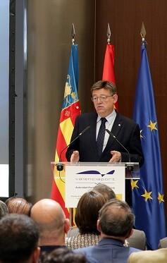 Ximo Puig en la presentación del informe APV.