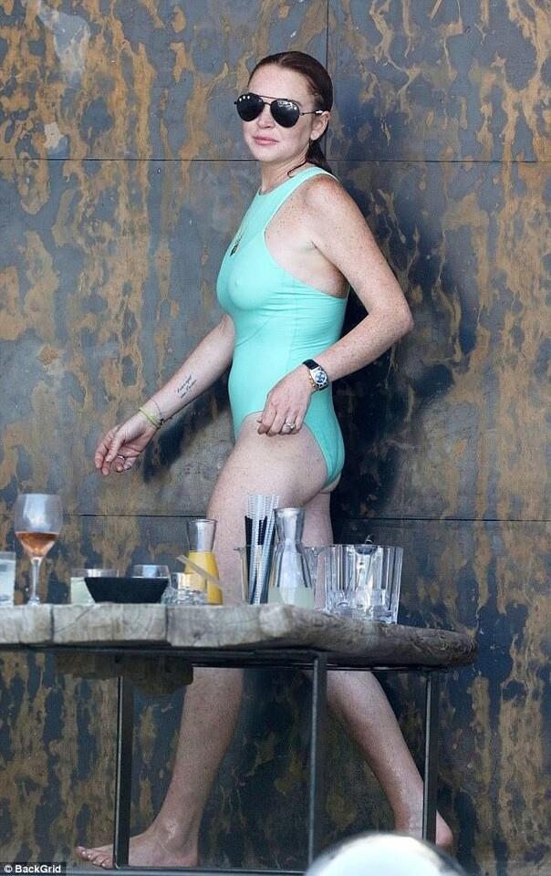 lindsay-lohan-bikini-1