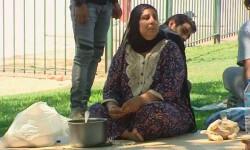 Refugiados en un parque entre la Mezquita y el Tanatorio de la M-30