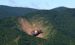 Imagen distribuida por la fuerza aérea surcoreana que muestra la destrucción del blanco (Yonhap)