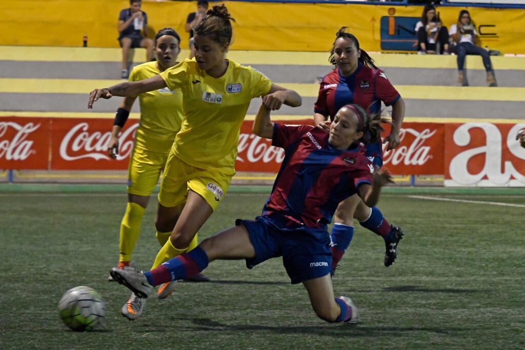 El Levante UD derrota al ASPTT Albi gracias al golazo de Alba