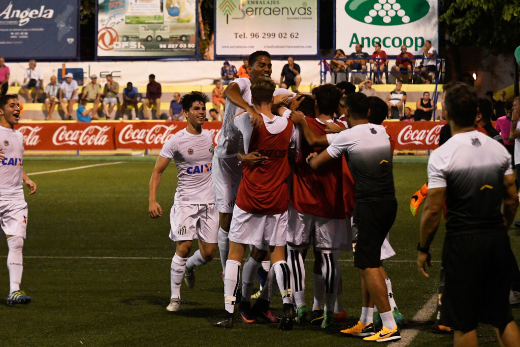 El Santos se coloca líder tras derrotar a la Selección Valenciana