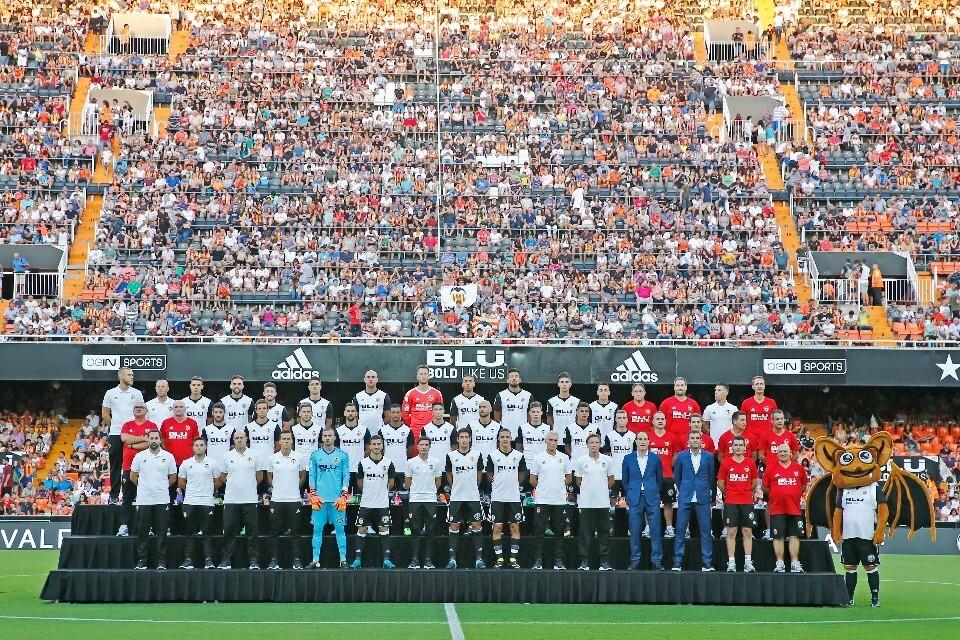 El Valencia CF 17.18 se presentó ante su afición