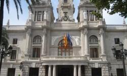 En dos años el Ayuntamiento baja la deuda en 121 millones de euros, un 17 por ciento.