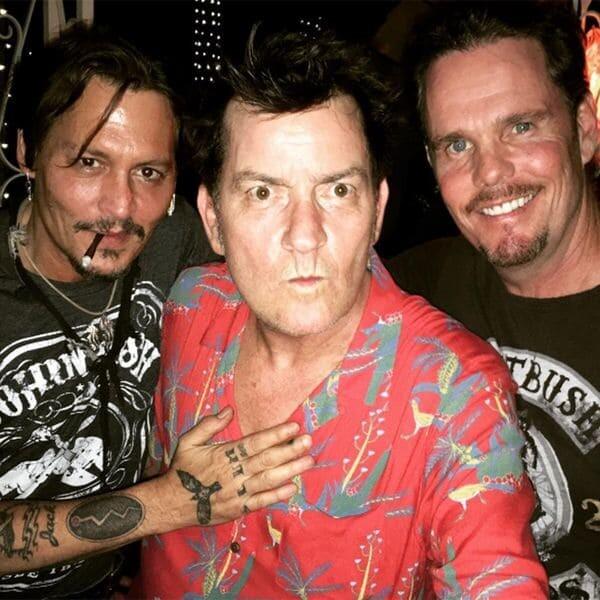 Johnny-Depp-Charlie-Sheen-y-Kevin-Dillon-SF-instagram