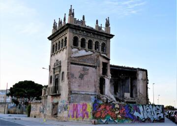 La Asociación Círculo por la Defensa del Patrimonio, junto con Acr Constantí Llombart. denuncian el abandono del chalet de Garín o del Rosal de Burjassot (1)