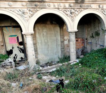 La Asociación Círculo por la Defensa del Patrimonio, junto con Acr Constantí Llombart. denuncian el abandono del chalet de Garín o del Rosal de Burjassot (2)