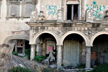 La Asociación Círculo por la Defensa del Patrimonio, junto con Acr Constantí Llombart. denuncian el abandono del chalet de Garín o del Rosal de Burjassot (3)
