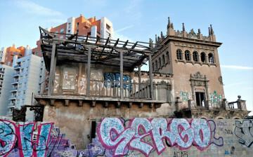 La Asociación Círculo por la Defensa del Patrimonio, junto con Acr Constantí Llombart. denuncian el abandono del chalet de Garín o del Rosal de Burjassot (5)