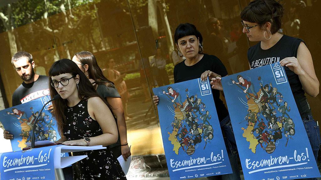 La CUP llama a desobedecer al Estado barriendo al rey, a Rajoy, Aznar, Pujol y Artur Mas