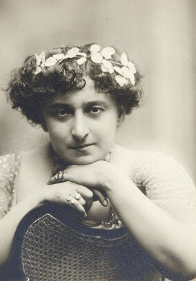 María Guerrero.