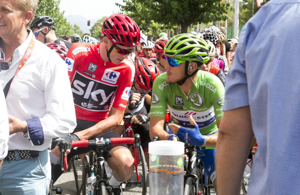 Salida Vuelta Ciclista Llíria foto_Abulaila (9)