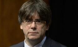 Carles Puigdemont avisa de que sólo el Parlament puede inhabilitar el referéndum del 1 de octubre.