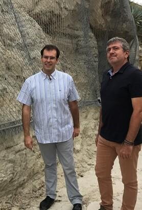 El alcalde de Chulilla, Vicente Gonzalo Polo, con el diputado Josep Bort.