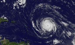 El huracán Irma se ha elevado a categoría 4 y Florida declara el estado de emergencia.