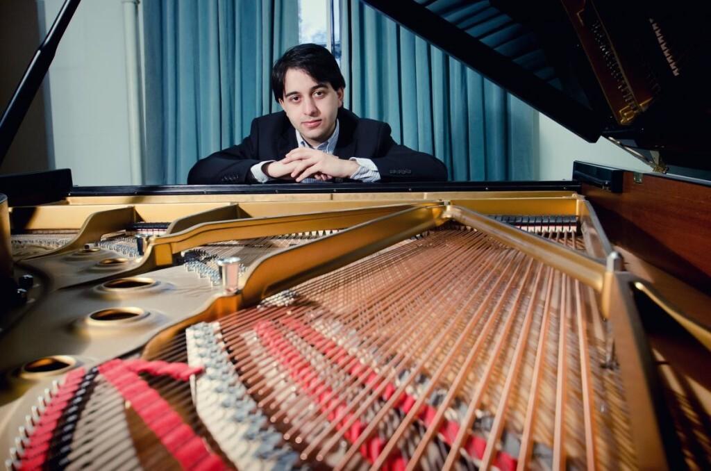 El pianista Luka Okros, ganador de la XIX edición Premio Iturbi.