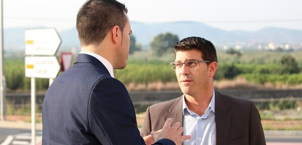 Jorge Rodríguez y Pablo Seguí visitan Gavarda junto a Vicente Mompó para comprobar el resultado de las obras de la CV-557.