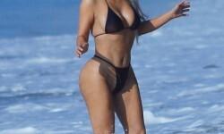 Kim-Kardashian-playa-1