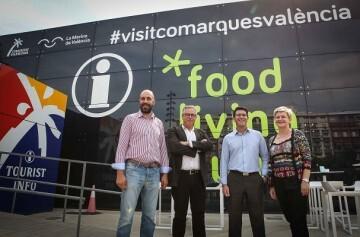 La Diputación abre su nuevo punto turístico en la Marina como escaparate de las comarcas valencianas.