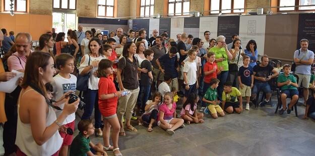 La sala del Ajedrez se lleno de ajedrecistas y acompañantes. 4