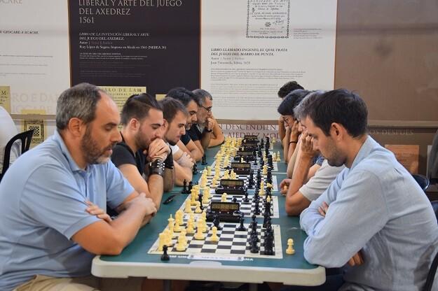 Los participantes disfrutaron de la jornada de ajedrez solidario. 5