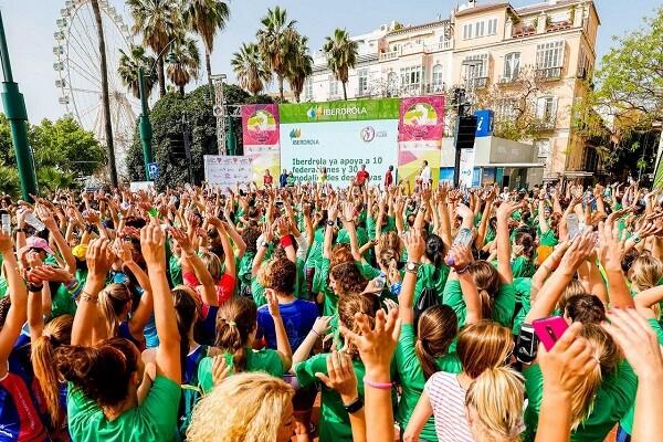 Mujer y deporte se dan cita en la Plaza del Ayuntamiento de Valencia este fin de semana.