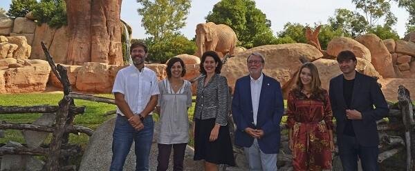 Presentación FICIV 2017 en la Sabana africana de BIOPARC Valencia con el elefante en el bosque de baobabs.
