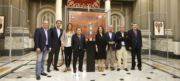 Presentación de la Copa de la República del Levante UD. (Foto-Manuel Molines)