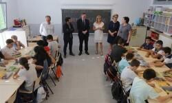 Puig apuesta por la educación como la herramienta más eficaz para superar las desigualdades y generar crecimiento económico.