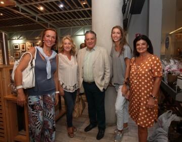 Silvia Pardo, Paz Sansaloni, Dr. Mira, Paula Todolí, Curri Cubells