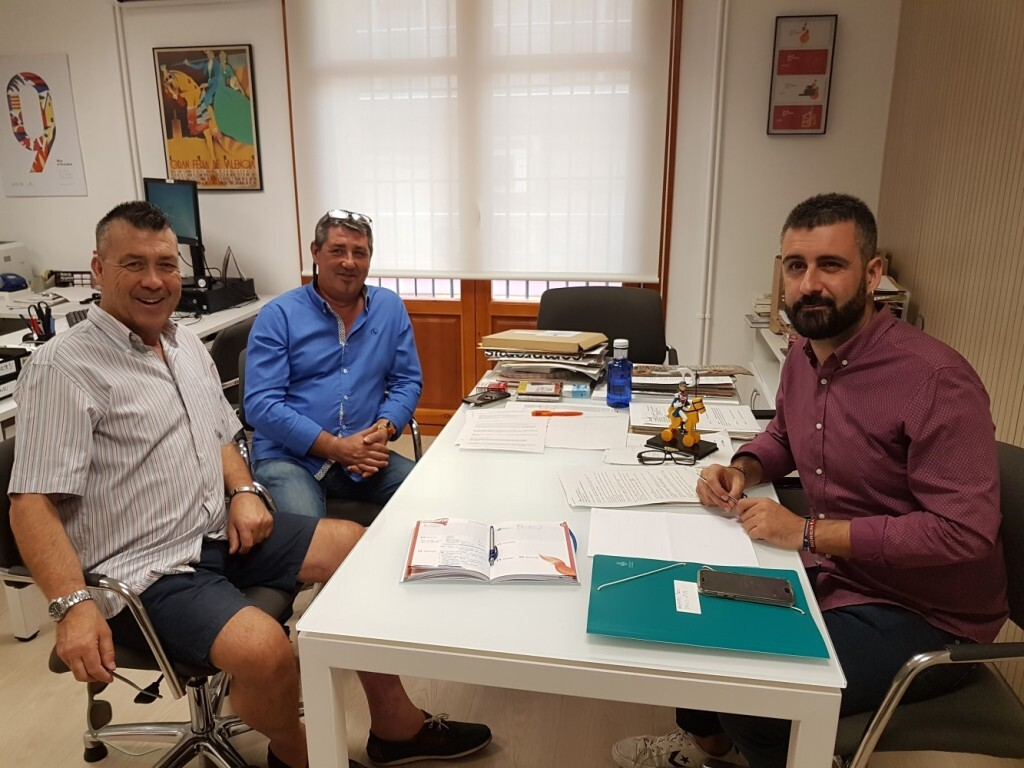 1010 Pere Fuset amb delegats de sector de JCF