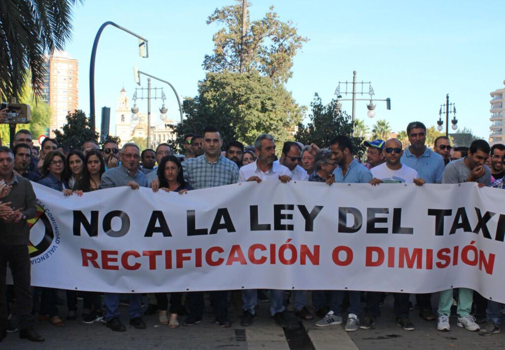 3. Pancarta Manifestacion presidente Union As Autotaxi CV