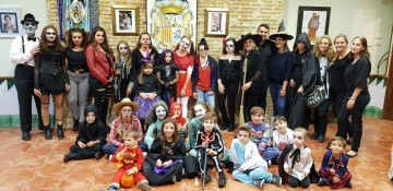 Agrupación La Seu-Xerea-El Mercat celebra Halloween con los más peques (19)