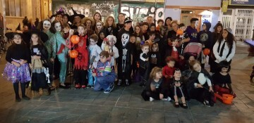 Agrupación La Seu-Xerea-El Mercat celebra Halloween con los más peques (4)