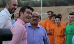 Atzeneta d'Albaida construye gradas y reforma los vestuarios del campo de fútbol con la ayuda de la Diputación.