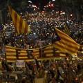Cerca de 200.000 personas se concentran en Barcelona para pedir la libertad de Cuixart y Sánchez.