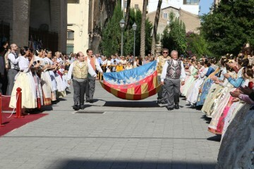 El Marítimo realizó su homenaje a la Senyera (4)
