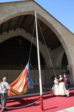 El Marítimo realizó su homenaje a la Senyera (7)