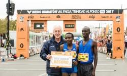 El Medio Maratón Valencia consigue el récord del mundo con la victoria femenina de Jepkosgei.