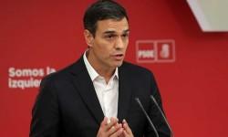 El PSOE critica las cargas policiales y exige a Puigdemont y Rajoy que negocien.