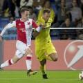 El Villarreal rescata un punto frente al Slavia Praga y deja el grupo muy igualado (2-2).