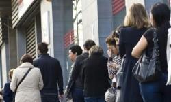 El paro baja en 182.600 personas y la tasa cae al nivel más bajo desde 2008. (Paro).
