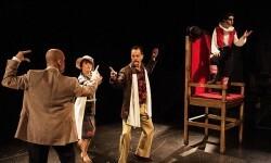 El reverso cómico de la tragedia en el estreno en Valencia de Hamlet… es nombre o apellido.