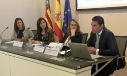 (De dcha. a izq.) Antonio Andujar, director de Discapacidad y Dependencia de Activa Mutua, y Verónica Martorell, directora de Accesibilidad Tecnológica, Estudios e I+D+i de Ilunion, durante la presentación hoy en Valencia.