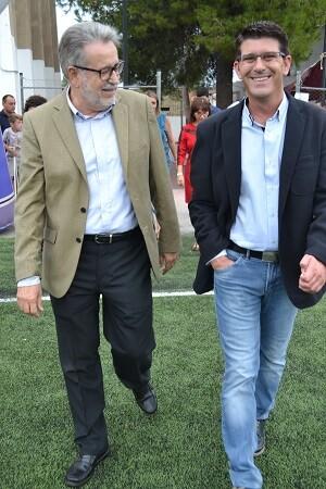 Jorge Rodríguez asiste al primer torneo de fútbol 8 alevín Ramón Alapont.